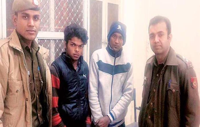 Robbers Beat and Rob in Majnu-Ka-Tilla