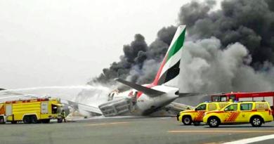 Emirate Boeing 777 Crash Lands, Luckily All 310 Safe