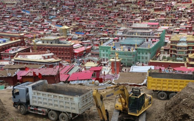 Besides Demolishing, Monks And Nuns Being Expelled From Larung Gar