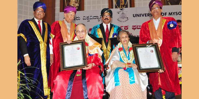 Dalai Lama Conferred Honorary Doctorate At University Of Mysuru
