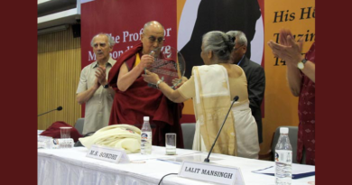 Dalai Lama Awarded M L Sondhi Prize International Politics 2016