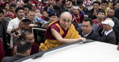 Dalai Lama Reaches Tawang To Grand Reception Following 7 Hours Drive