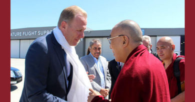 San Diego Mayor Welcomes Dalai Lama