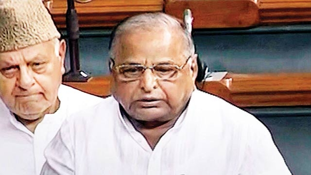 Mulayam Singh Yadav Speaking in the Parliament