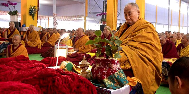 Dalai Lama Begins Conferring Empowerments in Bodh Gaya - Tibetan Journal