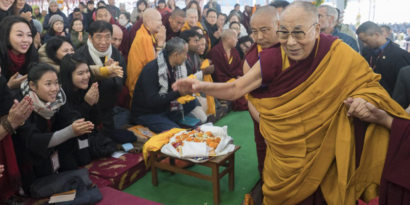 Dalai Lama Begins Teachings for 50,000 Devotees in Bodh Gaya