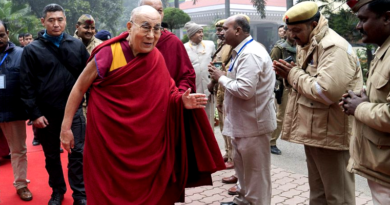 Dalai Lama Travels By Road To Bodh Gaya From Varanasi