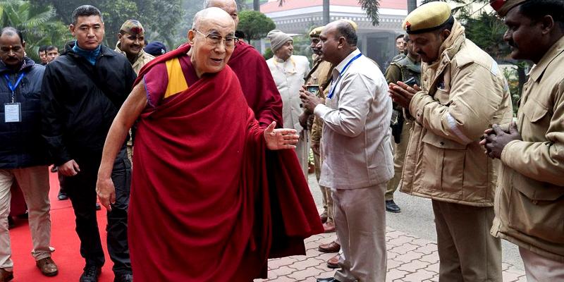Dalai Lama Travels By Road To Bodh Gaya From Varanasi