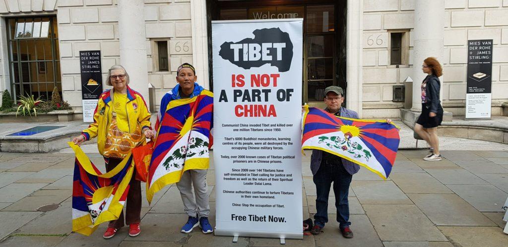 Lhakar or Wednesday Vigil in London 2