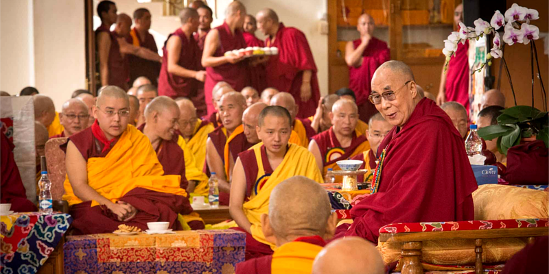 China Bans India-Trained Tibetan Monks from Teaching