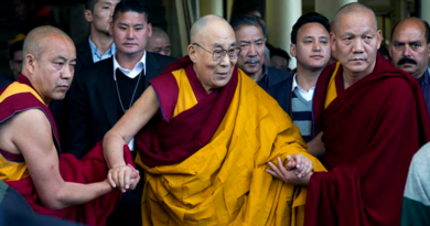 Tibetans Should Choose Dalai Lama's Reincarnation Says US
