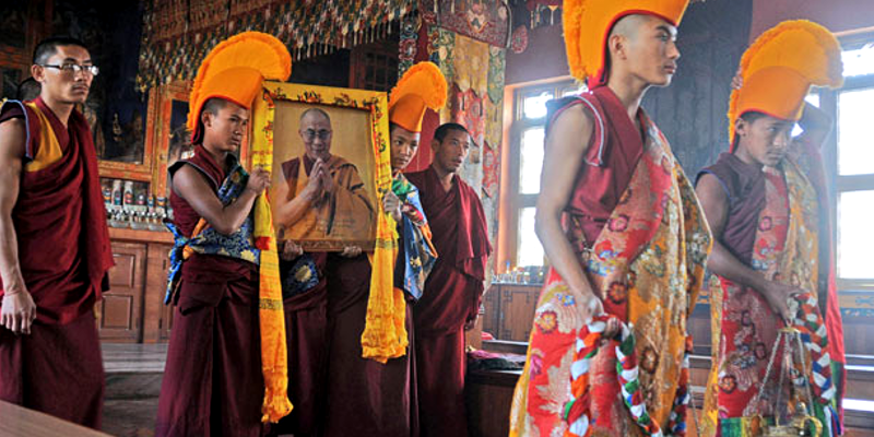 Two Tibetans Arrested for Keeping Dalai Lama Photos