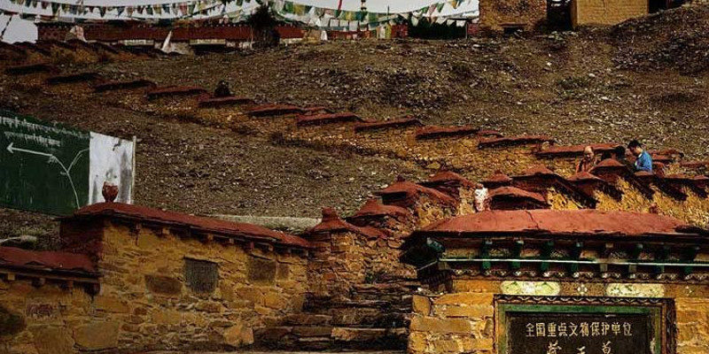 16 People Arrested for Robbing Tombs in Tibet
