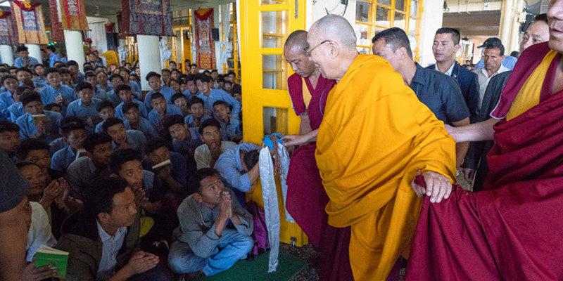 New Guidelines on Registrations for Dalai Lama Teachings