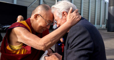 How Richard Gere Sacrificed Stardom to Follow Dalai Lama
