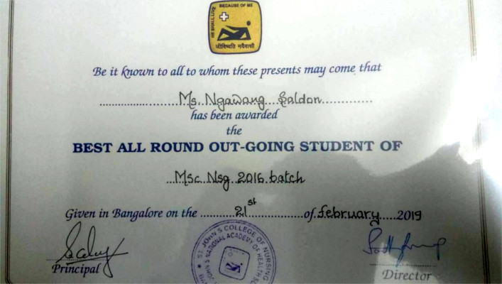 Tibetan girl's best all round student certificate