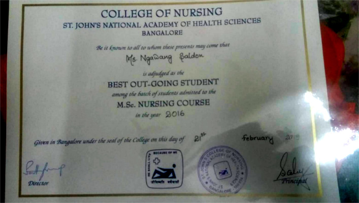 Tibetan girl's best outgoing student certificate