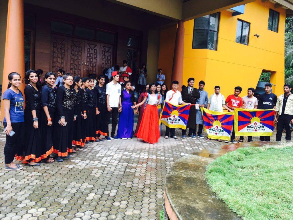Tibetan prisoners' life in Tibet