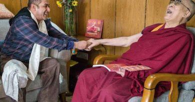Bollywood Superstar Meets H. H. The Dalai Lama In Ladakh