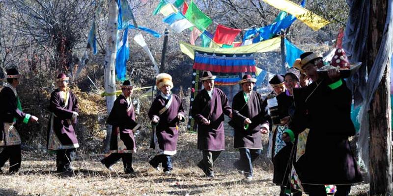 Despite Heavy Quake, Tibetans Celebrate New Year