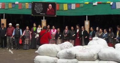 Tibetan Markets Distribute Many Woolens Items Among Poor