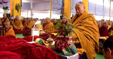 Dalai Lama Begins Conferring Empowerments in Bodh Gaya