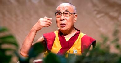 Dalai Lama Will Grace Amaravati Buddhist Heritage Festival