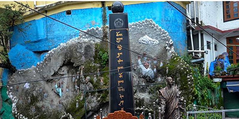 Danish Students Group Renovate Tibetan Martyrs Pillar