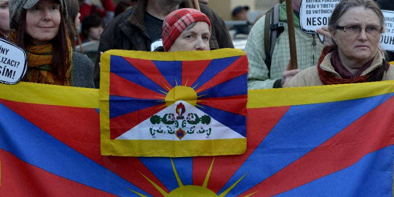 Denmark Police to Compensate Activists for Snatching Tibetan Flag