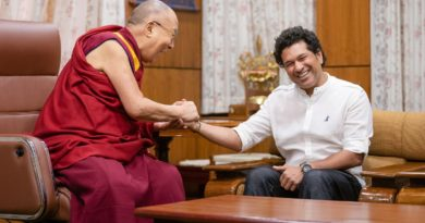 Cricketer Sachin Tendulkar Meets the Dalai Lama