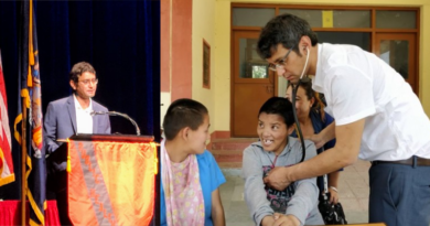Tibetan Doctor Awarded Alumni Achievement Award by US University