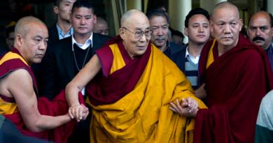 Tibetans Should Choose Dalai Lama's Reincarnation Says US