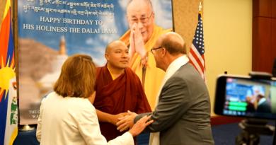 India Doubts About Gyalwang Karmapa's Return from US