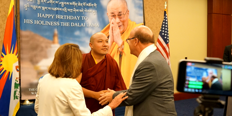 India Doubts About Gyalwang Karmapa's Return from US