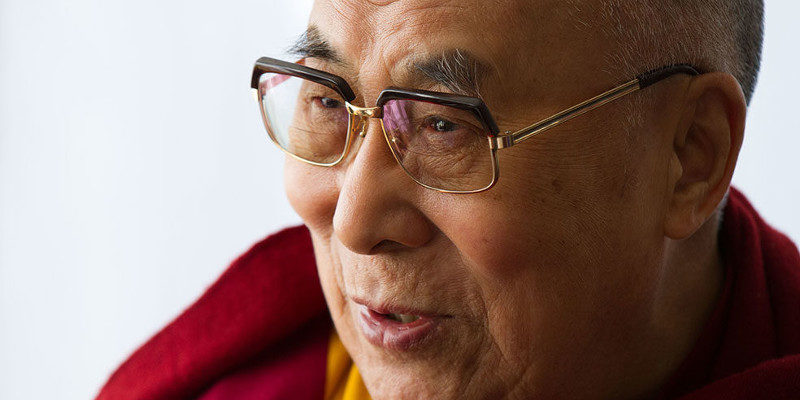 China Claims Tibet Human Rights Critics Enchanted by Dalai Lama
